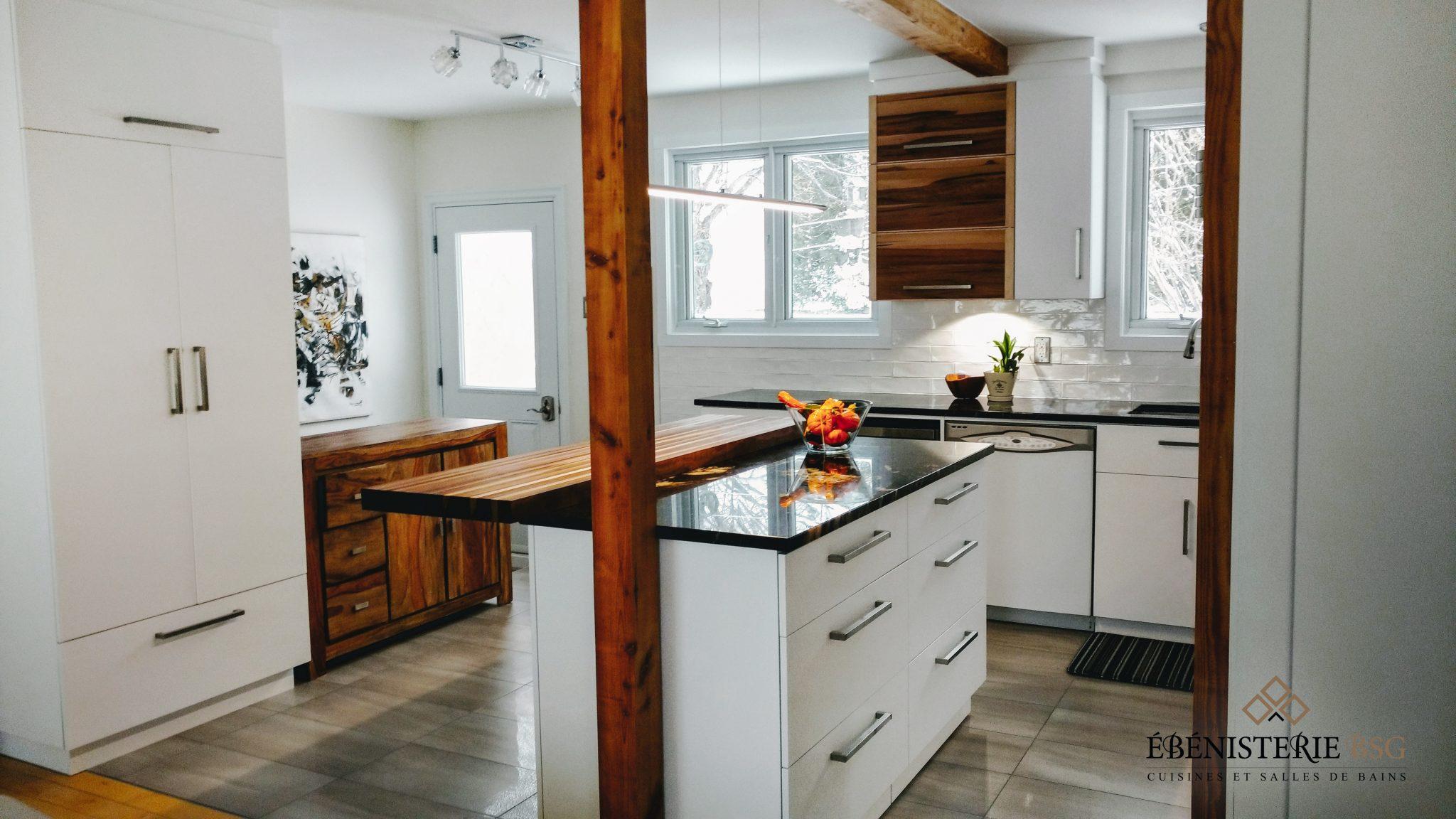 cuisine contemporaine rustique b nisterie bsg. Black Bedroom Furniture Sets. Home Design Ideas